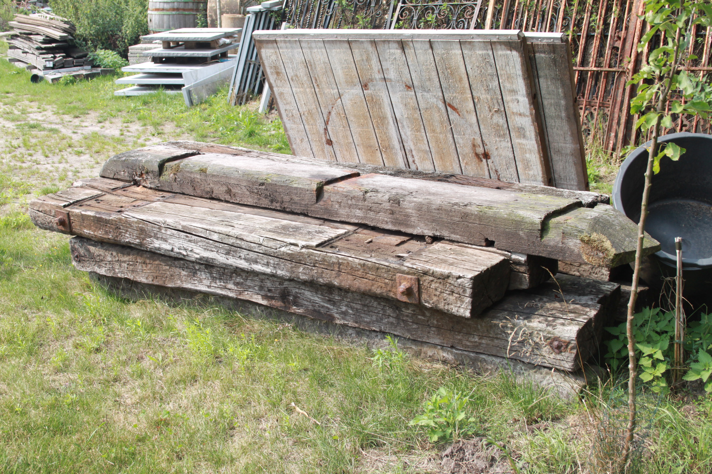 Used Railroad Ties | VAN ROY KASSEIEN