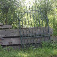 Zwarte spijl poort